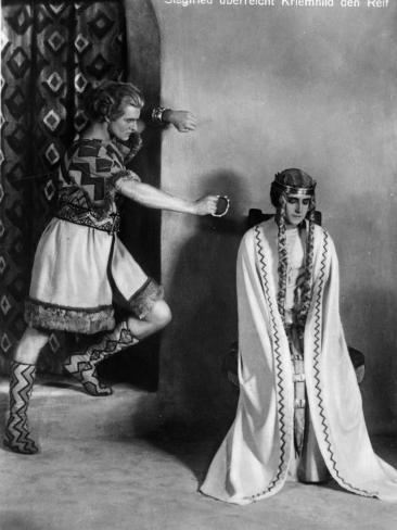 Margarete Schön and Paul Richter: Die Nibelungen: Siegfried, 1924 Stretched Canvas Print