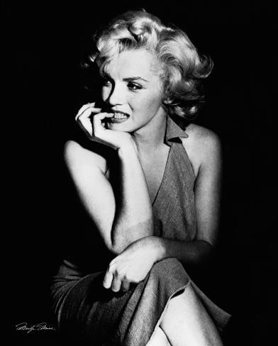 Marilyn Monroe - Sitting Mini Poster