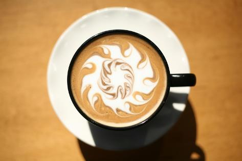 Latte Art, Designs Drawn With Steamed Milk In Hot Fresh Rich Coffee In A Ceramic Coffee Cup Stampa artistica