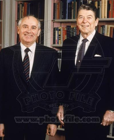 Mikhail Gorbachev & Ronald Reagan in the White House Library, 1987 Photo