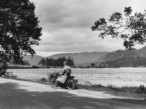 Motorcycle at Ullswater Stampa fotografica