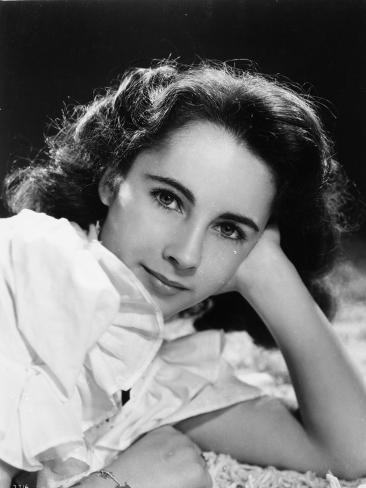 Elizabeth Taylor Leaning Head on Hand in Classic Photo
