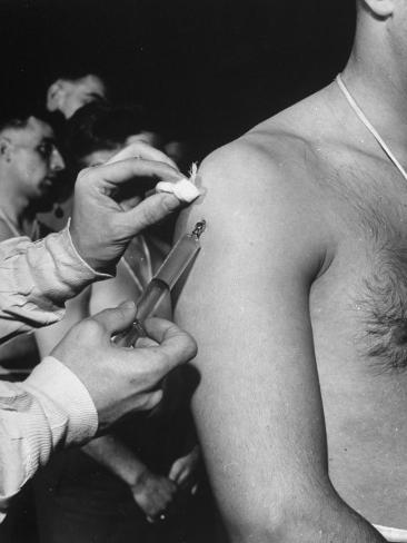 Army Medical Injections at Ft. Belvoir Photographic Print