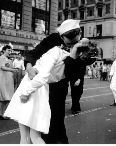 New York - Wars End Kiss Mini poster