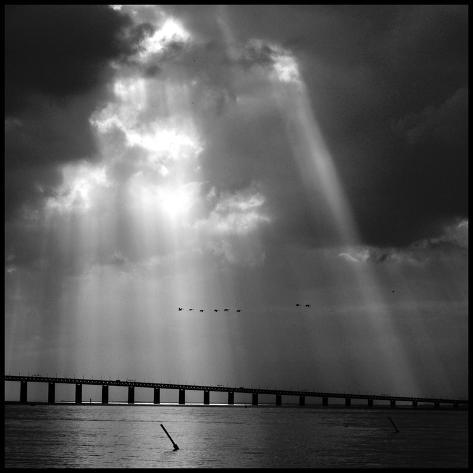 Dramatic Sky Valokuvavedos