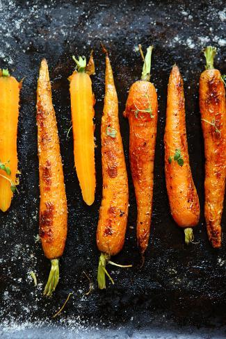 Roasted Carrots with Spices on a Baking Tray, Food Valokuvavedos