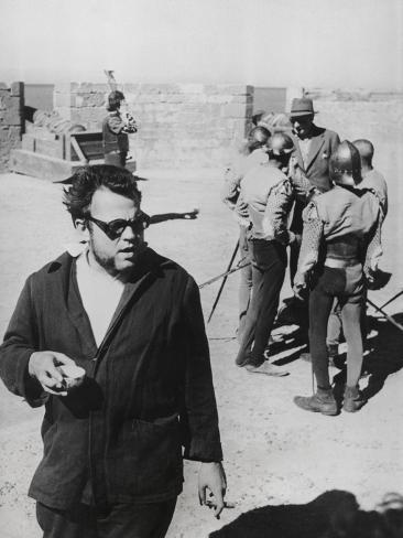 Orson Welles Directing the 1952 Film, 'Othello' Photo