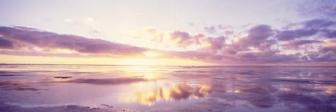 Nascer do sol na praia, Mar do Norte, Alemanha Impressão fotográfica