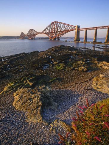 The Forth Rail Bridge, Firth of Forth, Edinburgh, Scotland; Valokuvavedos