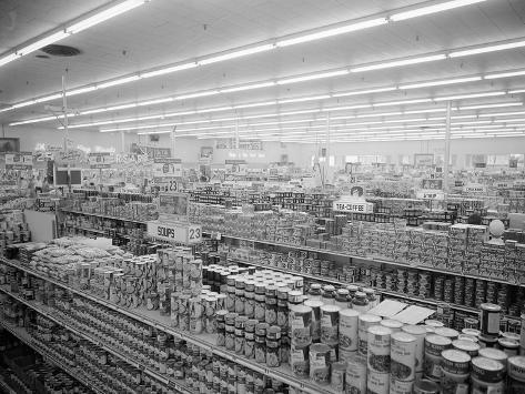 Interior View of Supermarket, 1955 Valokuvavedos