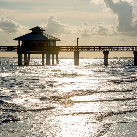 Fishing pier fort myers beach at sunset florida for Harrison fishing pier