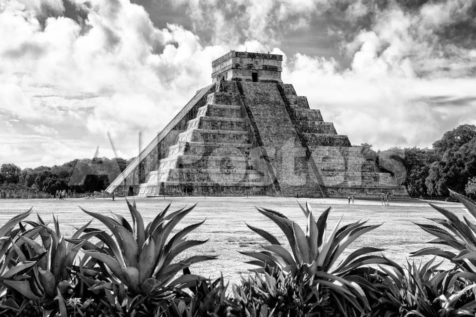 Viva Mexico B W Collection Pyramid Of Chichen Itza Vii Photographic Print Philippe Hugonnard Allposters Com