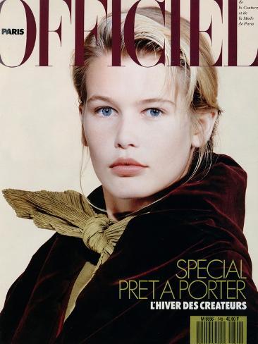 L'Officiel, August 1989 - Claudia Porte un Ensemble de Romeo Gigli Taidevedos