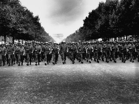 American Troops of 28th Infantry Division Marching Down Champs Elysees in Victory Parade Photographic Print