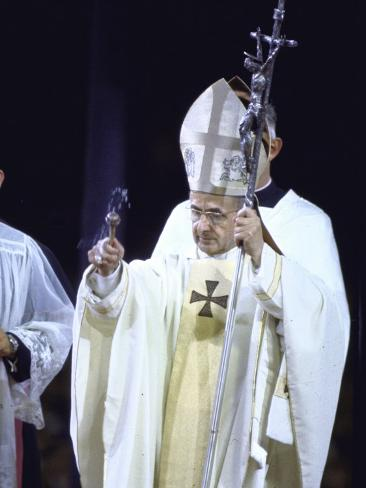 pope paul vi giving mass and sermon of peace at yankee stadium