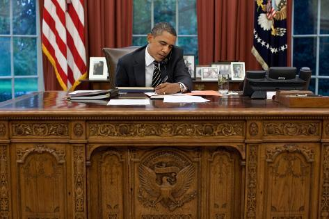President Barack Obama at His Oval Office Desk, Sept. 7, 2011 Photo