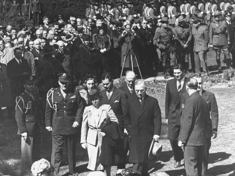 President Harry Truman and His Family Attending the Funeral of President Franklin Roosevelt Stretched Canvas Print