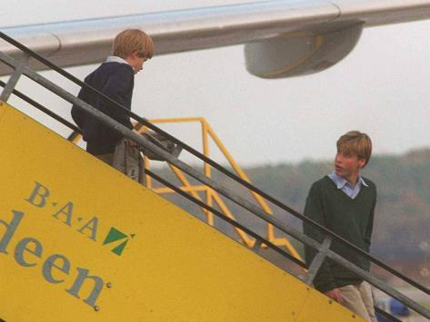 Prince Harry and Prince William arrive in Aberdeen on route to Birkhall Balmoral Stretched Canvas Print