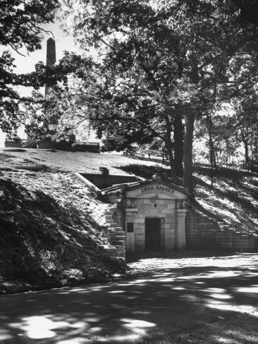 The Original Vault Behind Abraham Lincoln's Tomb Photographic Print