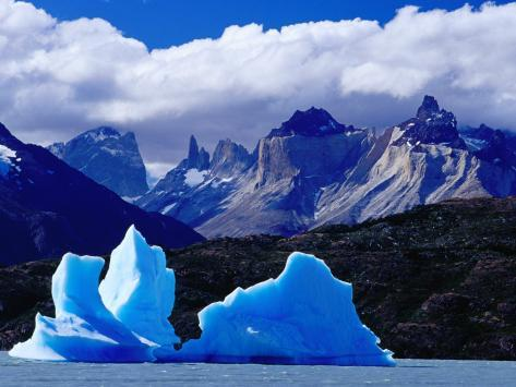 Icebergs in Lake Grey and Mountains of the Macizo Paine Massif, Patagonia, Chile Photographic Print
