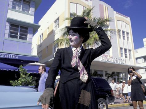 Art Deco Weekend on Ocean Drive, South Beach, Miami, Florida, USA Photographic Print