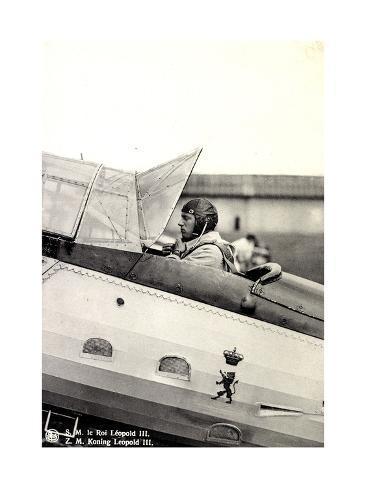 S.M. Le Roi Léopold III Asis Sur Un Aéroplane Stampa giclée