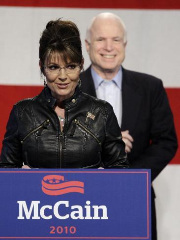 Sarah Palin Talks at a Campaign Rally for Senator John McCain at Pima County Fairgrounds in Tucson Photographic Print
