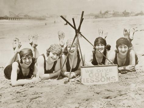Women on a Beach in California, 1927 Fotoprint