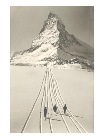 Skiers Leaving Matterhorn Art Print