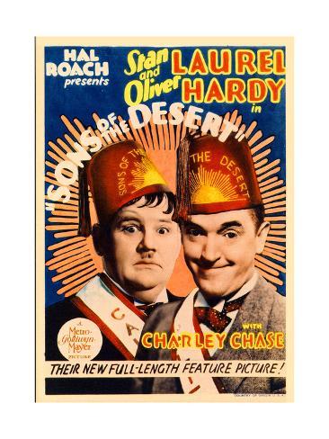 SONS OF THE DESERT, from left: Oliver Hardy, Stan Laurel, 1933. Premium Giclee Print