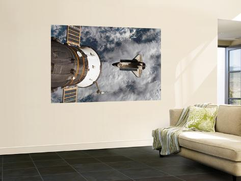 Space Shuttle Atlantis After It Undocked from the International Space Station on June 19, 2007 Giant Art Print