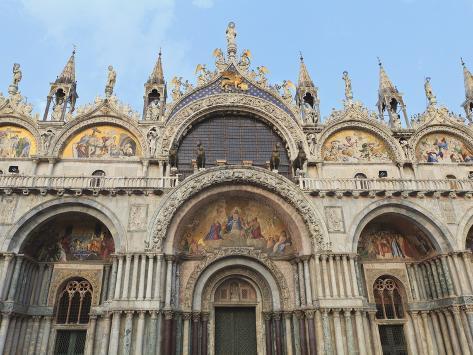 St. Mark's Basilica, Venice, UNESCO World Heritage Site, Veneto, Italy, Europe Stretched Canvas Print