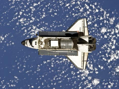 Space Shuttle Discovery Photographic Print