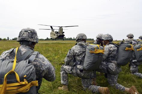 U.S. Army Paratroopers Prepare to Board a Ch-47 Chinook Photographic Print