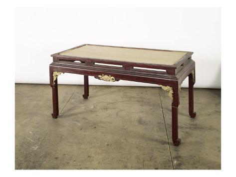 Table à quatre pieds de style indochinois Giclee Print - AllPosters ...