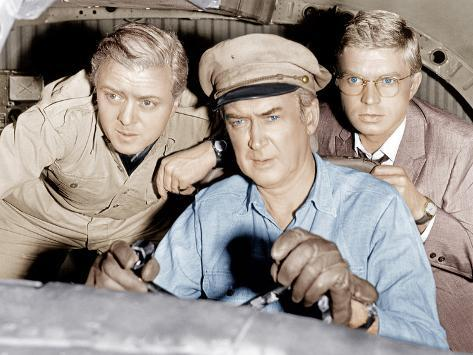 THE FLIGHT OF THE PHOENIX, from left: Richard Attenborough, James Stewart, Hardy Kruger, 1965. Photo