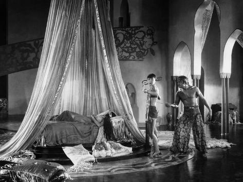 The Thief Of Bagdad, Julanne Johnston, Anna May Wong, Douglas Fairbanks, Sr., 1924 Photo