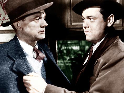 THE THIRD MAN, from left: Joseph Cotten, Orson Welles, 1949 Photo