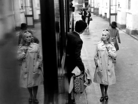 The Umbrellas Of Cherbourg, (aka Les Parapluies De Cherbourg), 1964 Foto