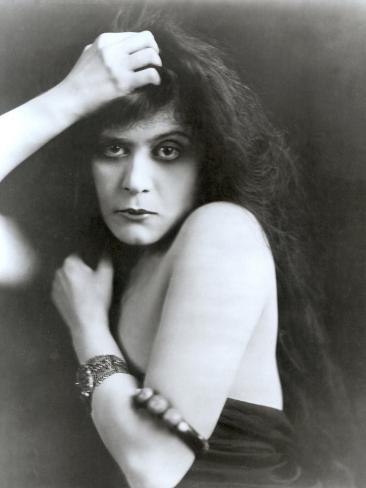 Theda Bara in Sin, 1915 Photo