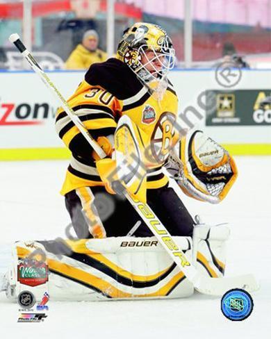 Tim Thomas 2010 NHL Winter Classic Photo