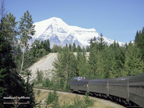 Mount Robson, Highest Peak in Canadian Rockies, 3964M, British Columbia Photographic Print