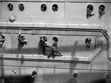 U.S. Troops Returning from Europe Fill Every Porthole as the Hms Queen Elizabeth Pulls into a Pier Photographic Print