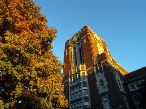 University of Tennessee - Ayers Hall Photo