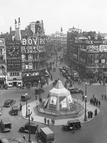 View of Shaftesbury Avenue and Piccadilly Circus Photographic Print