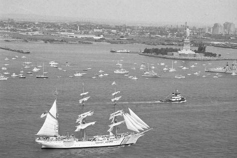 View of the Ship Eagle Valokuvavedos
