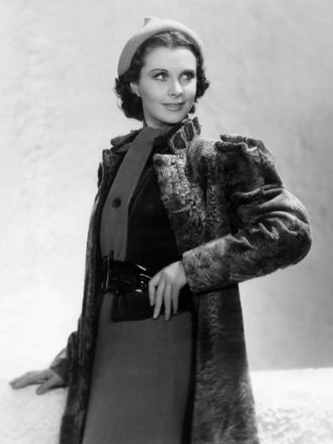 Vivien Leigh in a Gray Lamb Coat, 1937 Photo
