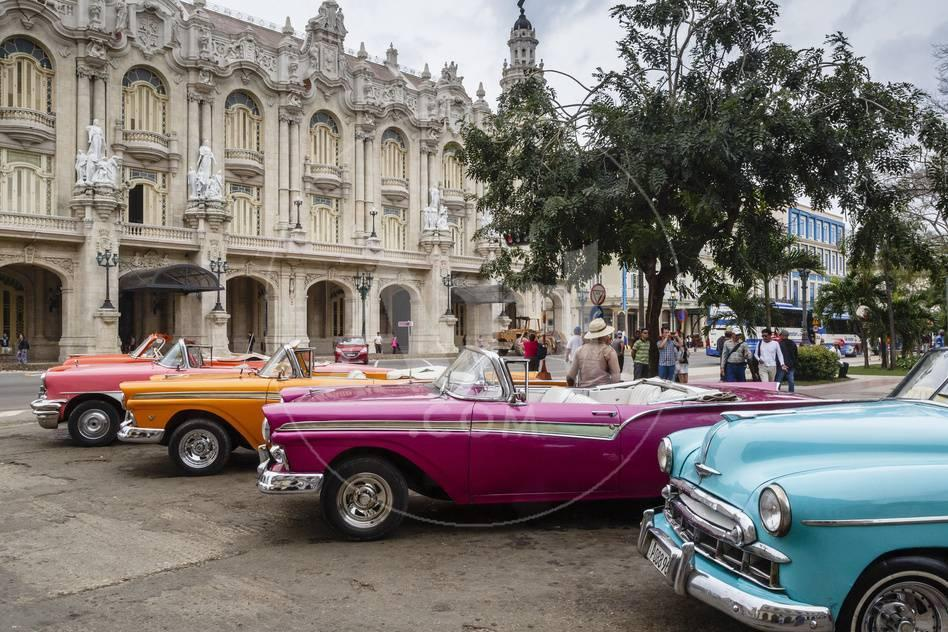 Vintage American Cars Parking Outside the Gran Teatro (Grand Theater ...