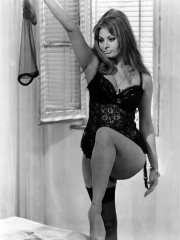 Yesterday, Today and Tomorrow, (AKA Ieri, Oggi, Domani), Sophia Loren, 1963 Photo