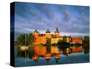 Gripsholm Castle, Mariefred, Sormland, Sweden by Steve Vidler
